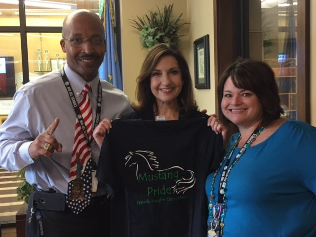 Oklahoma State Supt. Hofmeister visits Epperly Heights